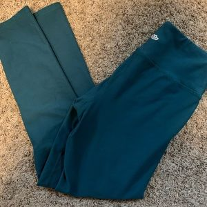 Maurice's in motion- high waisted crop leggings